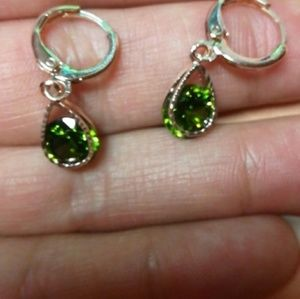 fashion Jewelry - (NEW) Green Earrings with Rose Gold Details
